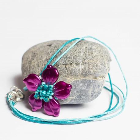 Purpurový květ